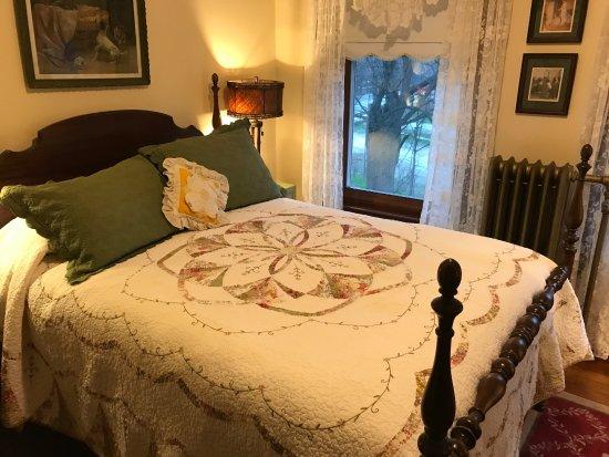 Elkhart Lake, WI: bedroom