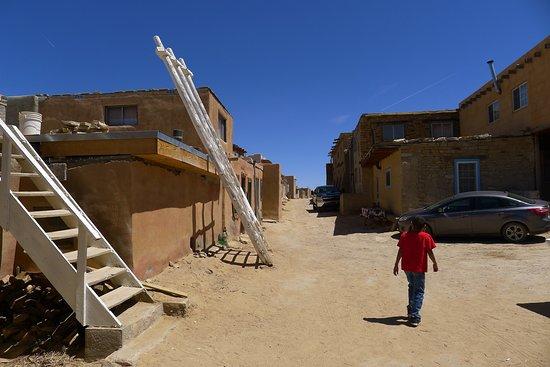 Pueblo of Acoma, نيو مكسيكو: Acoma street scene