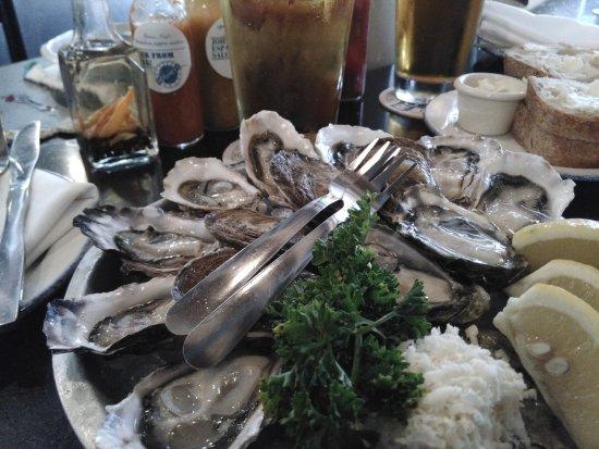 Rodney's Oyster House: enjoy