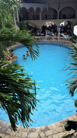Maria de la Luz Hotel: the pool with kids screaming all day