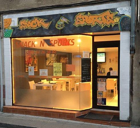 Revel, France : Devanture Snack N SPort