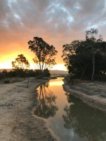 ليك فاينز هوليداي بارك: Lake sunset