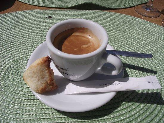 Cabris, Francia: Café et gâteau coco