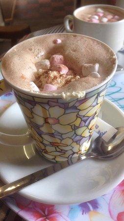 Tywyn, UK: delicious hot chocolate