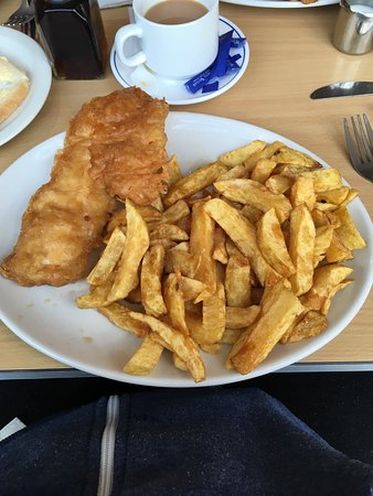 Machynlleth, UK: Haddock and chips