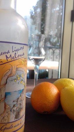 Carate Urio, Italien: Crema di liquore al melone