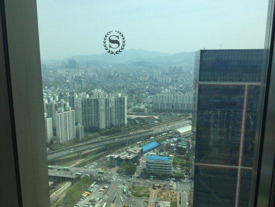 Sheraton Seoul D Cube City Hotel: photo6.jpg