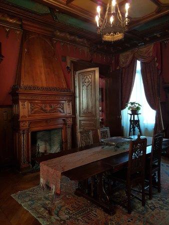 La salle manger picture of maison de jules verne for Amiens location maison