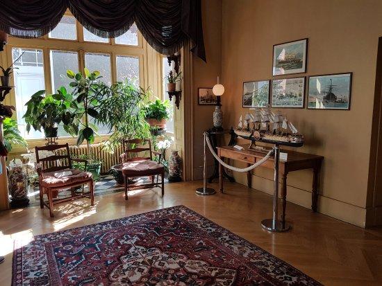 La biblioth que picture of maison de jules verne amiens tripadvisor - Maison de la bibliotheque ...