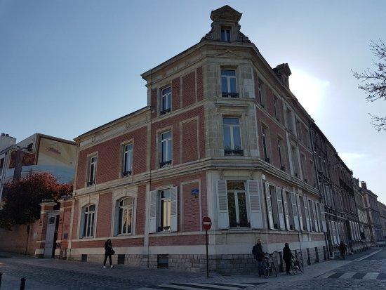 La maison vue de l 39 ext rieur picture of maison de jules for Amiens location maison