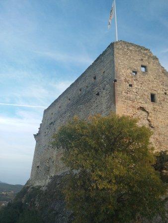 Vaison-la-Romaine, France: Vue du château