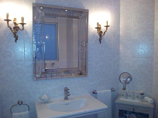 Saint-Martial de Gimel, Francia: salle de bain Noelie