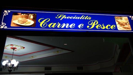 Speciality meat fish foto di ristorante pizzeria i for Gemelli diversi ristorante milano