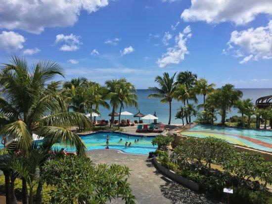 Le Meridien Ile Maurice: The main pool area