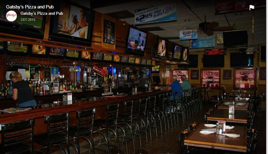 Arlington Heights, IL: Gatsby's huge Bar
