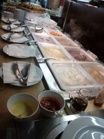 The Carlton Restaurant: $20 buffet..... excellence in quality and quantity