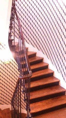Avalon Hotel Paris: Charmant escalier