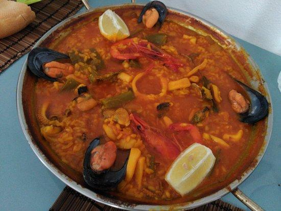 Pozo de los Frailes, Spanien: Paella de pescado y marisco 2 personas, para llevar, 20€