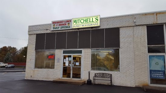 Mitchell's: Store Entrance