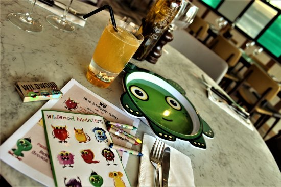 Lots of fun and surprises with childrens meals! - Picture of