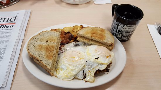 Rocky Hill, CT: Eggs Over Easy with Spuds, Roast Beef Hash and Rye Toast