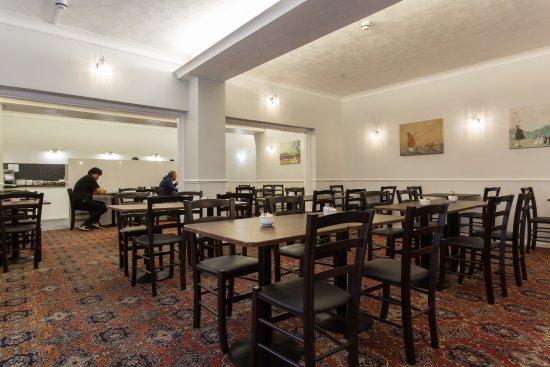 The Glendeveor: Breakfast Room