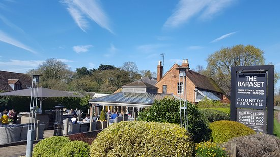 Alveston, UK: Sunshine on the decking