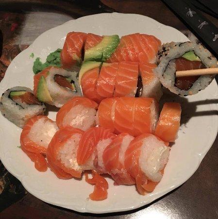 Ten'kei : Salmon cheese, Alaska, Californian Rolls saumon avocat