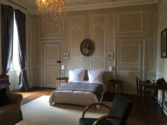 Chatillon-sur-Seine, Prancis: Très belle demeure. Chambre magnifique et très confortable