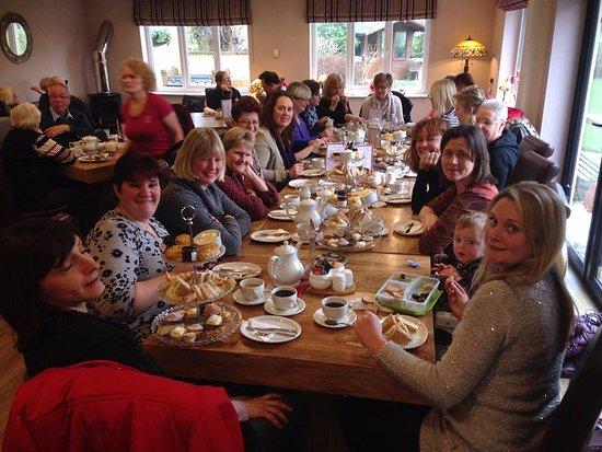 Cayton, UK: Birthday party enjoying Afternoon tea