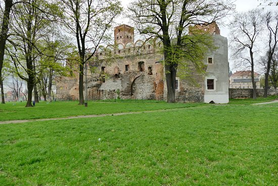‪Ruins of Ducal Castle in Zabkowice Slaskie‬
