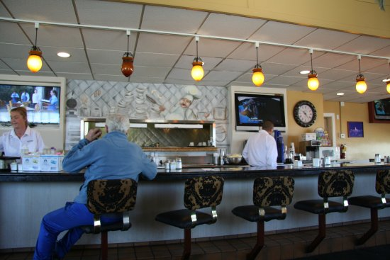 Norma's Family Restaurant: the counter