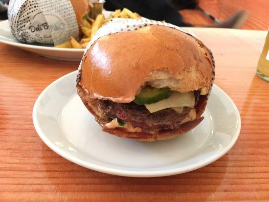 Lecker Burger Picture Of Deliburgers Karlsruhe