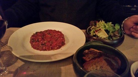L'Escargot Bleu: Steak tartar