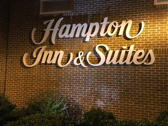 Hampton Inn & Suites Yonkers: photo1.jpg
