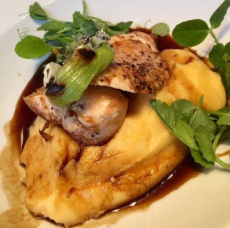 أبيكس ووترلو بليس هوتل: Roasted Chicken Breast at Elliot's