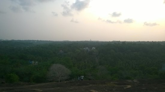 Madavoorpara Siva Temple: Hill top view