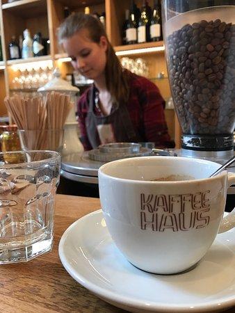 Blick Zum Kaffeeroster Und Den Kaffeeschutten Bild Von Kaffeehaus