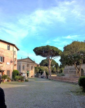 Ostia Antica, Italia: ..ed il piccolo borgo!