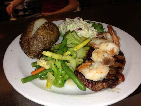 Walkerton, Canada: Steak & Shrimp