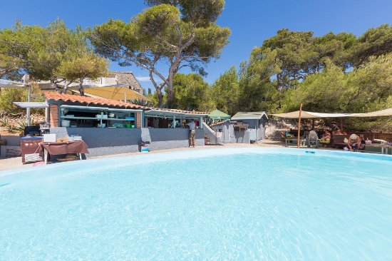 la piscine photo de la plage bleue cassis tripadvisor. Black Bedroom Furniture Sets. Home Design Ideas