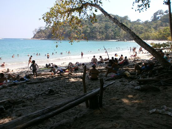 """Tarcoles, Costa Rica: After a very """"hot"""" walk through the national park, we ended up at the beach."""