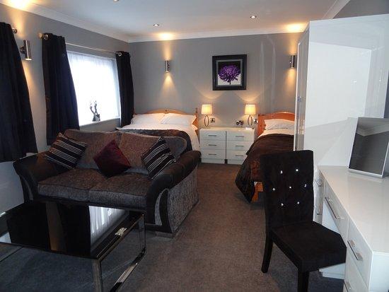 Hanley, UK: A great mini suite with en-suite