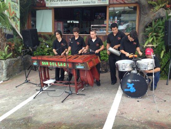 Tilaran, كوستاريكا: Musica en vivo todos los domingos