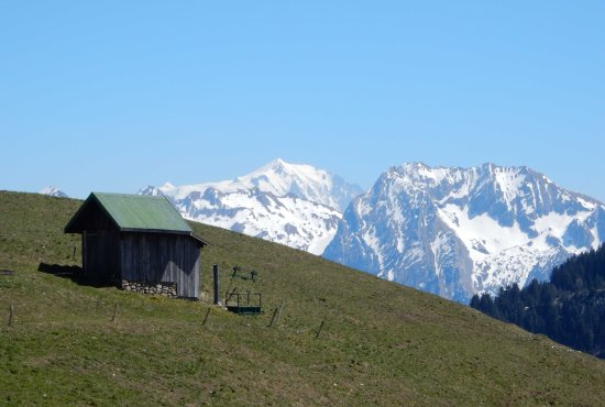 Thones, فرنسا: Mt Blanc to the South of the refuge