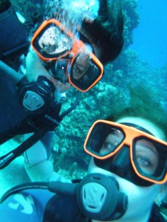 Τζορτζ Τάουν, Γκραντ Κέιμαν: underwater selfie while diving