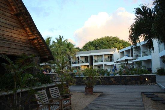 Villas Mon Plaisir: vue depuis l'entrée plage de l'hôtel