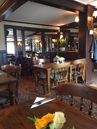 The white horse hatfield heath restaurant reviews for Food bar hadfield