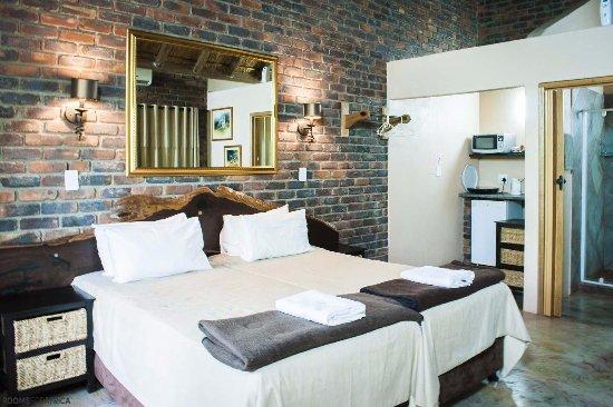 Phumula Kruger Lodge: Grass Tip Rooms