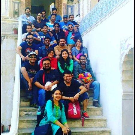 Ramgarh Fresco: tourist group at hotel